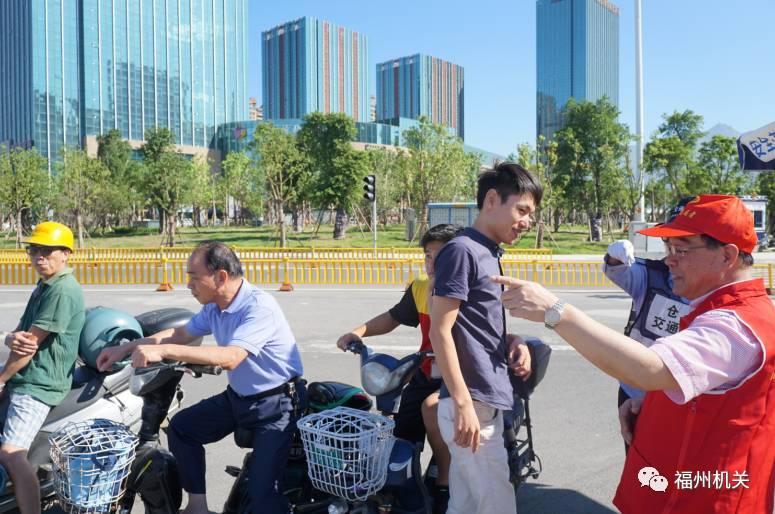 苏州:10万余名党员志愿者积极参与文明劝导志愿服务