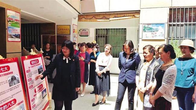 """甘肃兰州:社区讲党史列车""""流动展馆""""再次出发"""